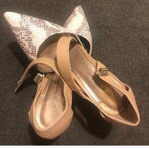 BCBG nude heels 7, great condition